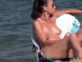 Hidden Voyeur Nudist Spy Milfs Chillin Naked At The Beach