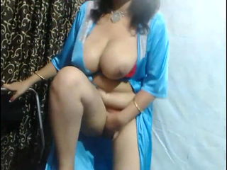 Indian Webcam Model Milking boobs show