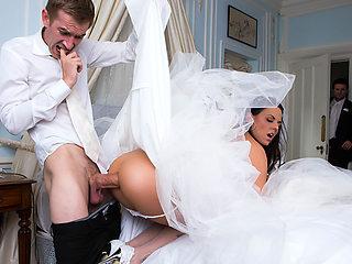 Simony Diamond & Danny D in Big Butt Wedding Day - Brazzers