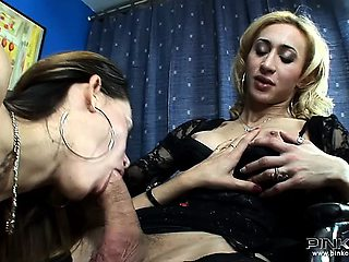 Two dirty Italian shemales love blowing each other