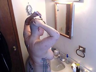 BBW Fresh Head Shave and Shower Voyeur
