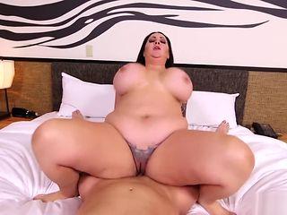 MomPov Lacy - 39 year old cum fuck E431