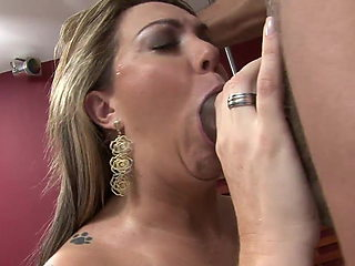 Big butt MILF gets to fuck a young stud in bed
