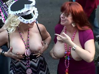 wild party girls mardi gras scene 9