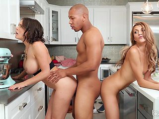 Hairless guy enjoy a threesome with Krissy Lynn and one more hottie