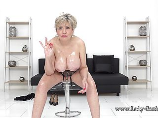 Hot Lady Sonia as she strips completely naked