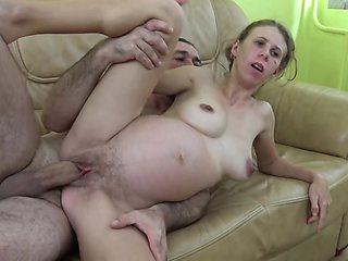 Emy Leslie Taylor busty pregnant MILF