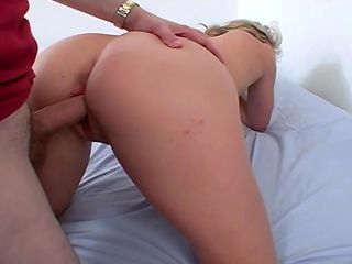 Amateur Hot Blonde Gives Deep Throat Blow Job