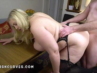 Massives tits mature secretary fucked doggy by her boss