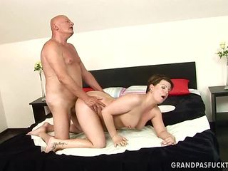 Teen with round booty gets her mouth attacked by guy's beefy rock solid dick