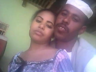 sudanese shy show body