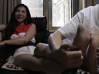 Chinese tickle - [初心] Playful nylon feet tickle 北京美女丝袜挠脚心 中文对白