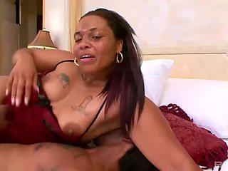 Big booty african queen