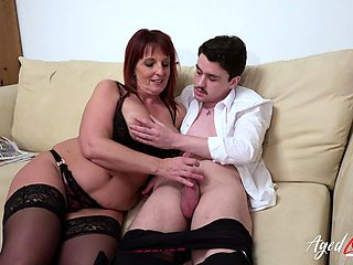 AgedLovE British Mature Enjoys Hardcore Sex