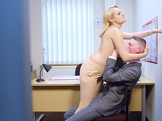 Having sex instead of working is the best solution for secretary