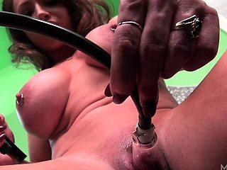 BrandiMae and Her Clit Pump
