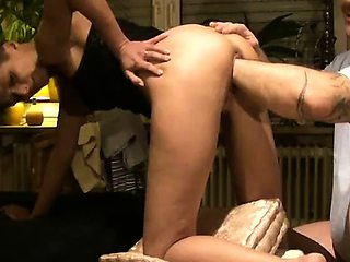Amateur wife monster pussy fisting penetration