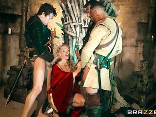 Queen Of Thrones: Part 4 (A XXX Parody)