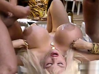Basketball tit babe getting double penetrated