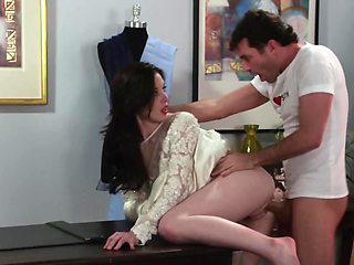 Slutty bride is being fucked moments before wedding