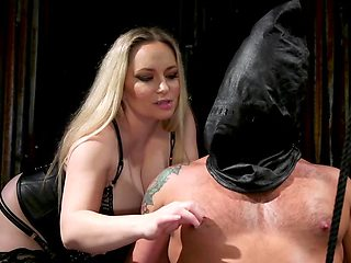 Uncontrolled female has fun with guy straponing his ass
