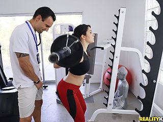 Sporty Valentina Nappi enjoys sex in the gym with a horny trainer