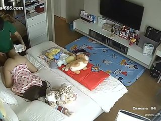 Hackers use the camera to remote monitoring of a lover's home ***