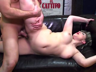 Ameteur mother gets young dick for hairy cunt