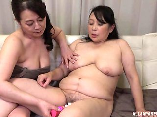 Chubby lesbian Asian wants to reach an memorable orgasm with her girl