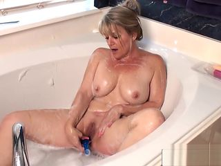Sneaky Step Mommy Bobbie Jones Ride cock Sweet Young Step-son