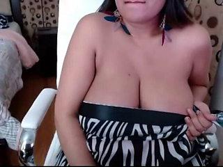 Mallu Juicy Aunty seducing