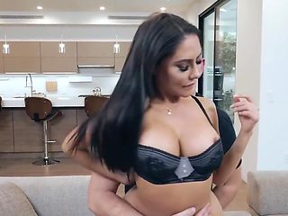 The nurse with a big ass had an orgasm from sex with friends daughter...