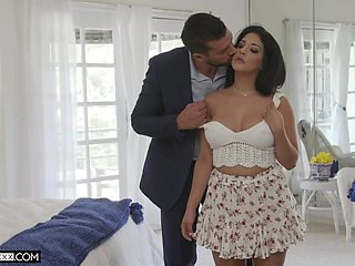 Cock hungry Latina housewife Misty Quinn moans during passionate sex