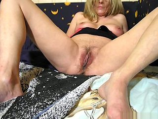 OmaFotzE Milf and Granny Themed Pictures in Video