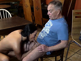 Bi cuckold man and daddy skinny fucks random white Can