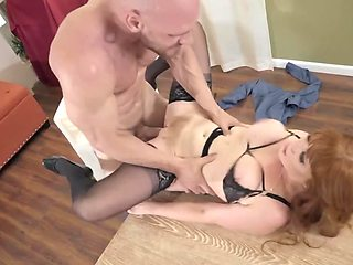 MILF with a beautiful body gets rid of hunger in arms of man