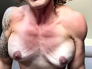 Hot brunette from squirt masturbating on webcam