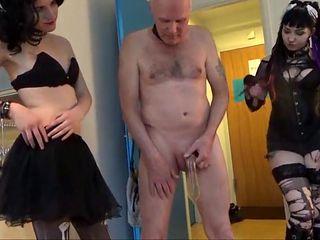 Mix: Pervert Ulf Larsen pee party!
