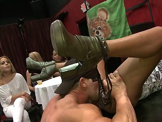 Talented male stripper knows how to eat pussy real good