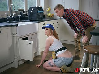 Redhead chick Carly Rae fixes his plumbing with her wet pussy