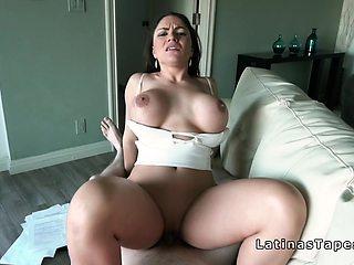 Latina real estate agent fucks at work