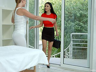 Hot masseuse learns from her client that she likes sapphic sex