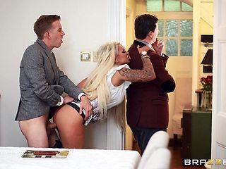 Cheating wife Brooklyn Blue fucked hard behind her husband's back
