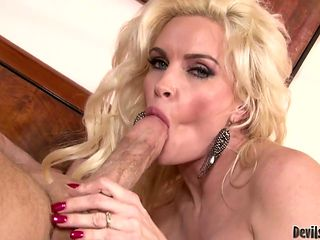 Blonde with huge knockers shows her oral skills in oral action with hot dude