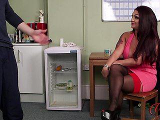 Amateur video of busty model Rara Curves teasing a naked dude