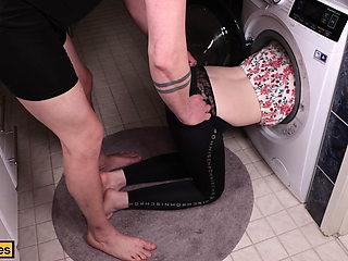 Hot Teen Sister gets Stuck inside Washing Machine