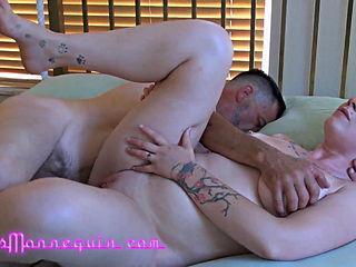 Gracelynn Moans and Richard Nailder - Massage turns naughty