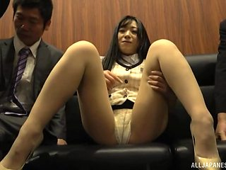 Cute Japanese amateur spreads her legs to be pleasured by 2 guys