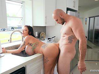 Bald dude fucks his big booty stepmom in crazy home XXX