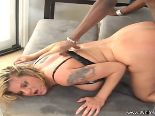 Bored Housewife Goes Full On BBC To Feel Arousement
